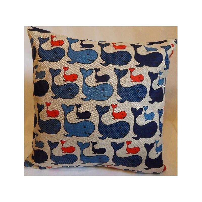 Housse coussin motifs baleines 55% lin 45% coton