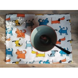 set de table lin et coton motif chiens colorés